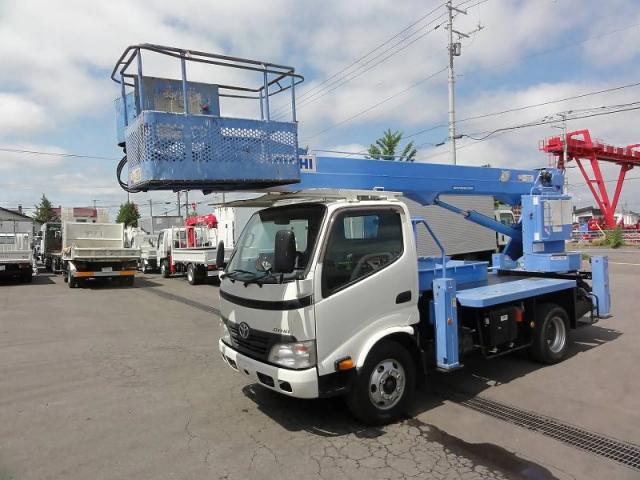 トヨタ ダイナ BDG-XZU334 2WD