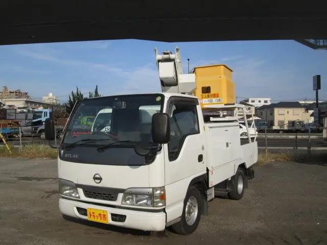 日産 アトラス KK-AKR69CV 2WD